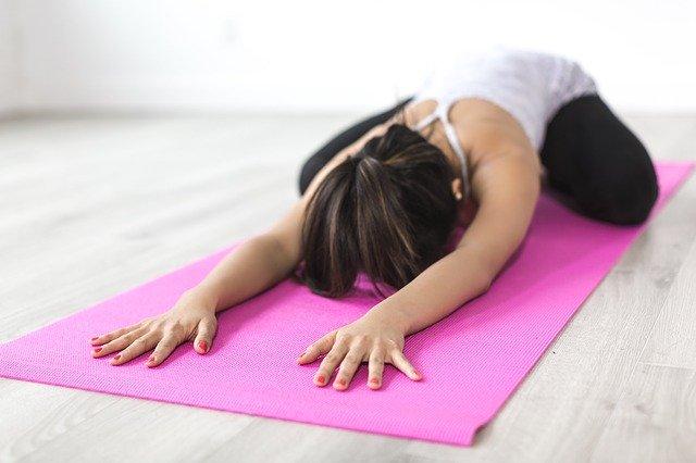 Comment bien débuter la pratique du yoga?